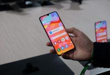 صورة الهاتف Galaxy A70 يبدأ هو الأخر بتلقي تحديث Samsung One UI 2.5