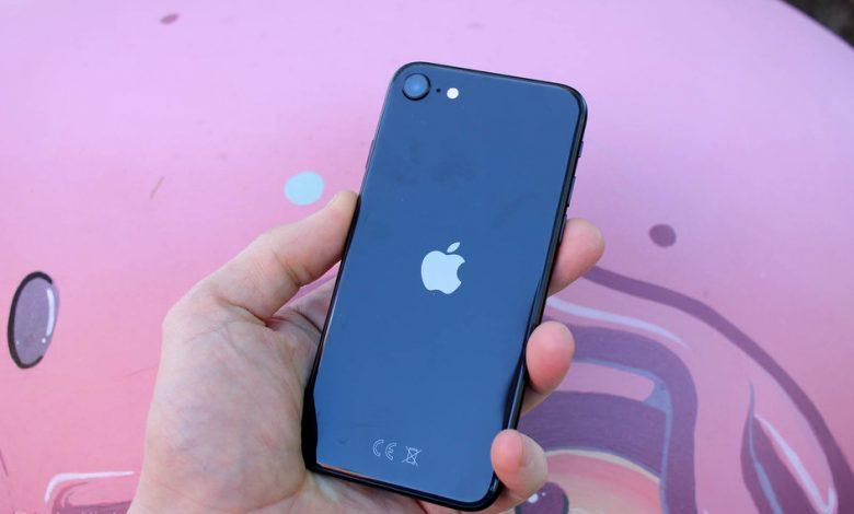 صورة تقدم Tesco Mobile صفقات الخصومات على أجهزة iPhone ومجموعة Galaxy من Samsung