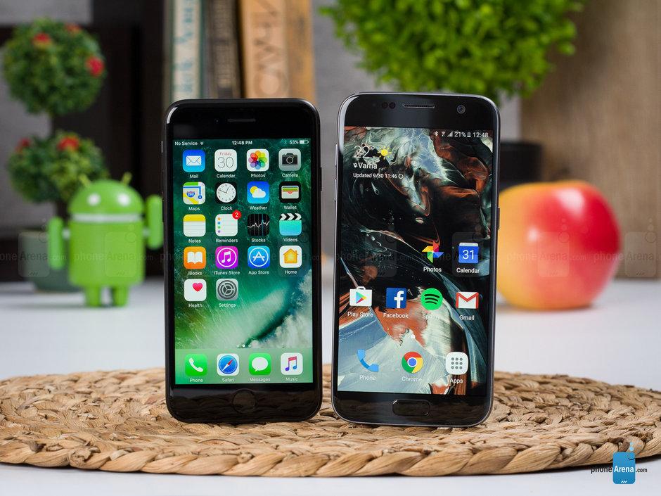 Apple-iPhone-7-vs-Samsung-Galaxy-S7003.jpg