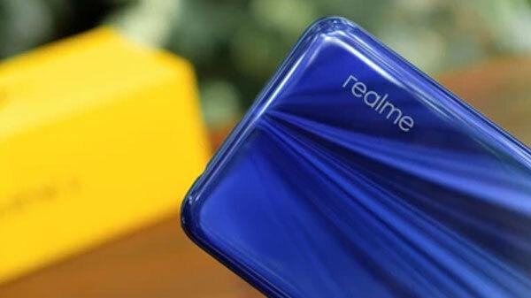 هاتف غامض من Realme يظهر على منصة TENAA